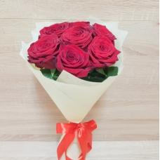 Букет ароматных красных роз