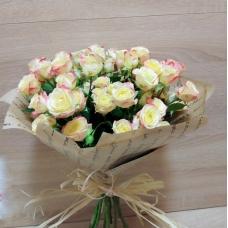 Букет из нежной кустовой розы (9 шт.)