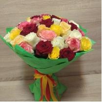 Букет из разноцветной розы (37 шт.)