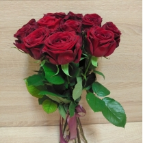 Букет из красных роз, перевязанных лентой (11 шт.)
