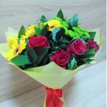 Букет из красной розы и желтых гермини